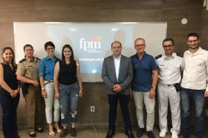 Equipe da FPM recebe professor de universidade holandesa